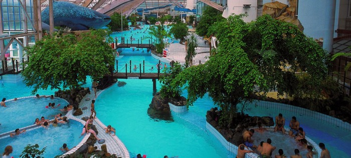 Aquaboulevard paris parc aquatiques en paris proxifun for Piscine aquaboulevard