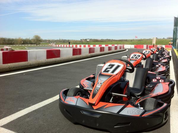 Karting de saint malo en bretagne circuit ext rieur for Karting exterieur